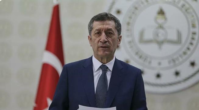 Milli Eğitim Bakanı Ziya Selçuk, Kovid-19 tedbirleri kapsamında uzaktan eğitime 31 Mayıs'a kadar devam edileceğini bildirdi.