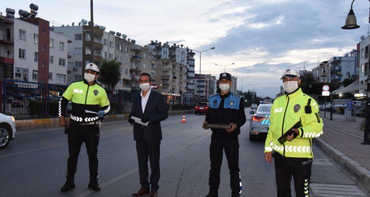 BAŞKAN YILMAZ, GECE NÖBETİNDEKİ POLİSLERİ DE UNUTMADI