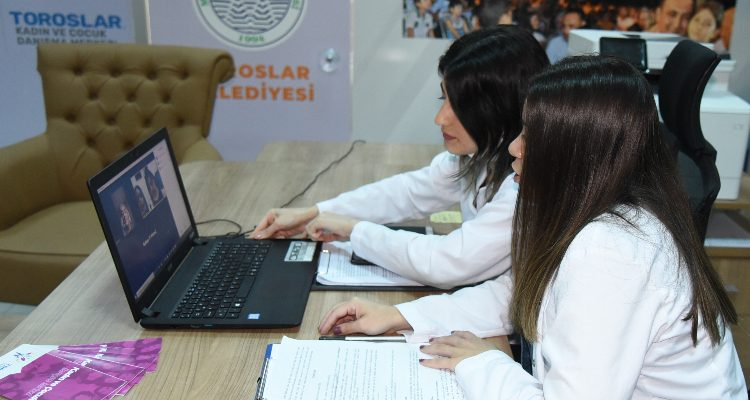 TOROSLAR BELEDİYESİ'NDEN LGS ÖNCESİ 'SINAV KAYGISI' SEMİNERİ