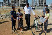 Başkan söz verdi, Esmanur bisikletine kavuştu