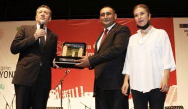 """BAŞKAN YILMAZ'DAN, MİLLİ EĞİTİM BAKANI SELÇUK'A """"MASAL EVİ"""" SÖZÜ"""