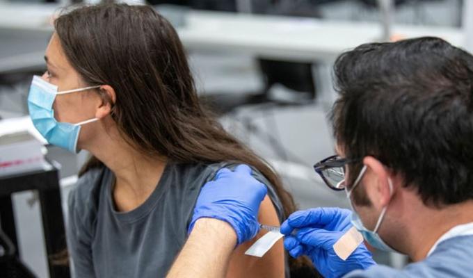 Pfizer'dan Covid-19 aşısına ilişkin açıklama: Etkisi azalıyor